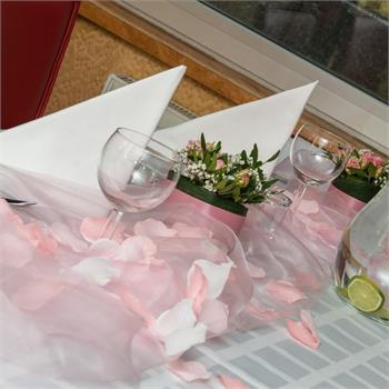 Table Decorations: Pink Colour Scheme
